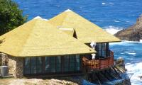 A well combed thatch is easier to treat against fires. Image: Fiber Thatch